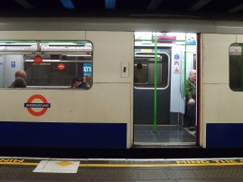"""A recording kept saying """"Mind the gap!"""" every 4 seconds on a constant loop. We get the point..."""