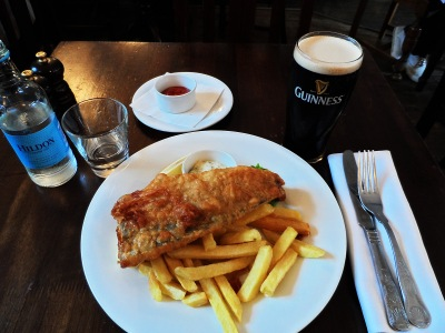 """I ate a classic """"fish'n'chips"""" meal."""