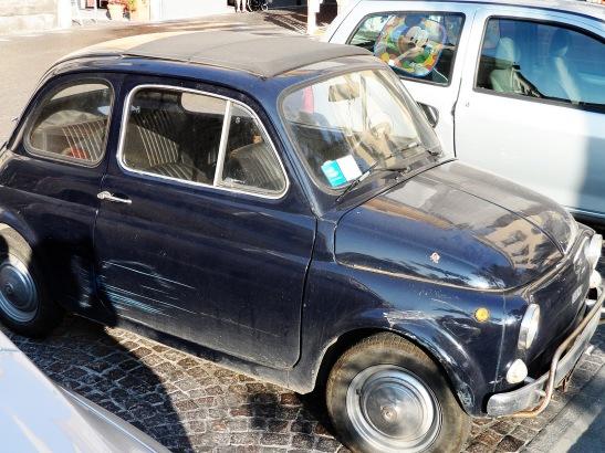 Cute old Fiat.