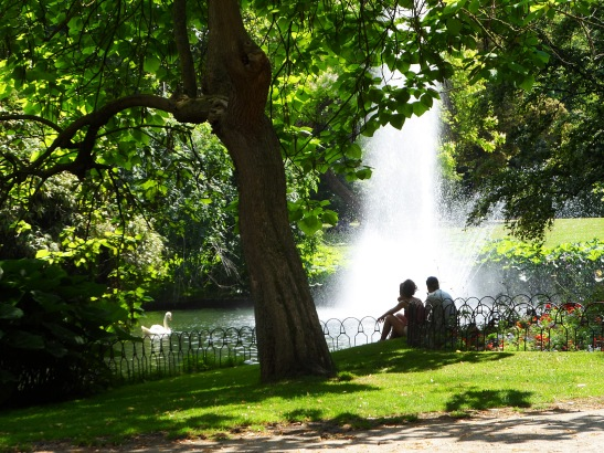 A beautiful park, fountains and swans and all. Nice and quiet and peaceful.